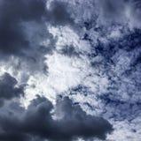 Σκοτεινή κίνηση σύννεφων θύελλας Στοκ εικόνες με δικαίωμα ελεύθερης χρήσης