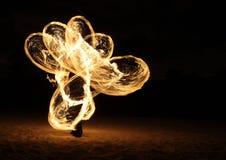 σκοτεινή πυρκαγιά χορευτών Στοκ φωτογραφία με δικαίωμα ελεύθερης χρήσης