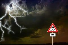 σκοτεινή δραματική θύελλα σύννεφων Αστραπή Στοκ Φωτογραφία