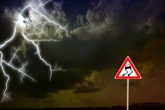 σκοτεινή δραματική θύελλα σύννεφων Αστραπή Στοκ Εικόνες