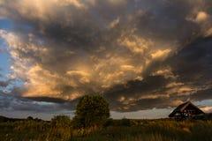 σκοτεινή δραματική θύελλα σύννεφων Στοκ φωτογραφία με δικαίωμα ελεύθερης χρήσης
