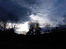 σκοτεινή δραματική θύελλα σύννεφων Στοκ Εικόνες