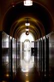 σκοτεινός διάδρομος στοκ φωτογραφία με δικαίωμα ελεύθερης χρήσης