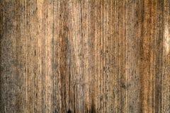 Σκοτεινός καφετής γρατσουνισμένος ξύλινος τέμνων πίνακας Ξύλινη σύσταση στοκ φωτογραφία με δικαίωμα ελεύθερης χρήσης