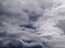 σκοτεινός ουρανός σύννεφων Στοκ εικόνα με δικαίωμα ελεύθερης χρήσης