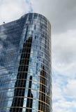 Σκοτεινός πύργος γυαλιού στο Βανκούβερ Στοκ Εικόνες