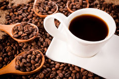 Σκοτεινός στιγμιαίος καφές στοκ φωτογραφία με δικαίωμα ελεύθερης χρήσης