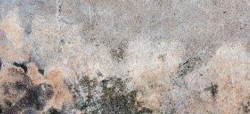 Σκοτεινός τοίχος ασβεστοκονιάματος με το βρώμικο ραγισμένο γρατσουνισμένο υπόβαθρο Παλαιός αναδρομικός τρύγος brickwall με την γκ στοκ φωτογραφίες με δικαίωμα ελεύθερης χρήσης