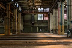 Σκοτεινό βιομηχανικό εσωτερικό Στοκ Εικόνες