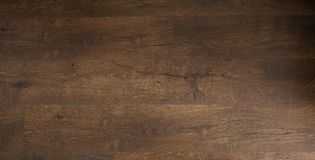 Σκοτεινό δρύινο πάτωμα Ξύλινο πάτωμα, δρύινο παρκέ - ξύλινο δάπεδο, δρύινο φύλλο πλαστικού Στοκ φωτογραφία με δικαίωμα ελεύθερης χρήσης