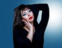 σκοτεινό μαλλιαρό lingerie μοντέλο Στοκ Εικόνες