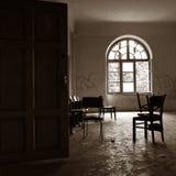 σκοτεινό παλαιό δωμάτιο σχεδιαγράμματος Στοκ Φωτογραφία