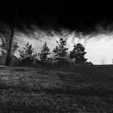 Σκοτεινό σύννεφο μεταξύ μας Στοκ Εικόνες