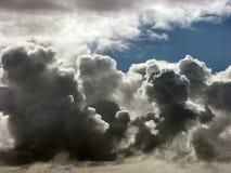 Σκοτεινό σύννεφο στοκ φωτογραφία με δικαίωμα ελεύθερης χρήσης