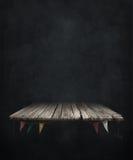 Σκοτεινό υπόβαθρο με τον πίνακα Στοκ φωτογραφία με δικαίωμα ελεύθερης χρήσης