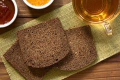Σκοτεινό ψωμί σίκαλης Pumpernickel Στοκ φωτογραφία με δικαίωμα ελεύθερης χρήσης