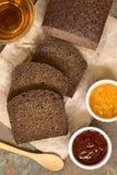Σκοτεινό ψωμί σίκαλης Pumpernickel Στοκ φωτογραφίες με δικαίωμα ελεύθερης χρήσης