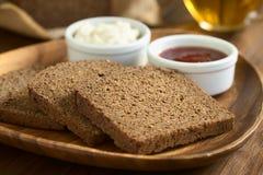 Σκοτεινό ψωμί σίκαλης Pumpernickel Στοκ εικόνες με δικαίωμα ελεύθερης χρήσης