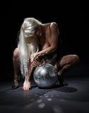 σκοτεινό glitterball χορού Στοκ εικόνα με δικαίωμα ελεύθερης χρήσης