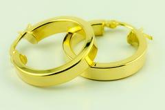Σκουλαρίκια 18 χρυσός του Karat Στοκ Φωτογραφίες