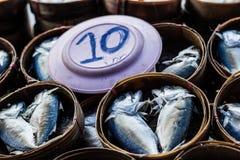 σκουμπρί που βράζουν στ&omicr Στοκ φωτογραφία με δικαίωμα ελεύθερης χρήσης