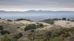 Σκουπίζοντας απόψεις του νότιου Bay Area από την παλαιότερη κονσέρβα Fremont Στοκ φωτογραφία με δικαίωμα ελεύθερης χρήσης