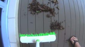 Σκουπίζοντας σκούπα POV φιλμ μικρού μήκους