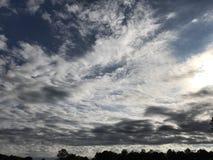 Σκουπίζοντας σύννεφα ημέρας για Memes Στοκ εικόνες με δικαίωμα ελεύθερης χρήσης