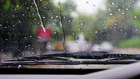 Σκουπίστε τη βροχή στον ανεμοφράκτη στοκ εικόνες με δικαίωμα ελεύθερης χρήσης