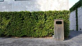 Σκουπίδια στη φύση Στοκ εικόνα με δικαίωμα ελεύθερης χρήσης
