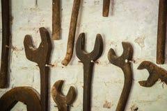 Σκουριασμένα κλειδιά σε έναν τοίχο Στοκ εικόνα με δικαίωμα ελεύθερης χρήσης
