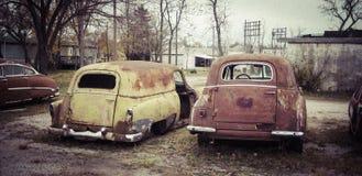 Σκουριασμένα παλαιά κλασικά αυτοκίνητα Στοκ Εικόνες