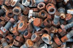 Σκουριασμένες καρύδια και βίδες χάλυβα Στοκ φωτογραφίες με δικαίωμα ελεύθερης χρήσης