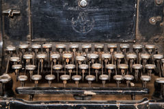 Σκουριασμένη παλαιά γραφομηχανή Στοκ φωτογραφία με δικαίωμα ελεύθερης χρήσης
