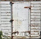 Σκουριασμένη πόρτα μετάλλων ορθογωνίων στοκ εικόνα με δικαίωμα ελεύθερης χρήσης