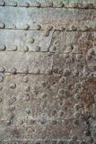 σκουριασμένη σύσταση μετ Στερεωμένο πιάτο σιδήρου Καρφιά παλαιό σε σκουριασμένο συνερχόμενο Στοκ Φωτογραφίες