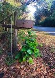 Σκουριασμένη ταχυδρομική θυρίδα στοκ φωτογραφίες με δικαίωμα ελεύθερης χρήσης