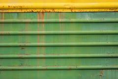Σκουριασμένος και χρώμα που γρατσουνίζεται του παλαιού βαγονιού εμπορευμάτων Στοκ εικόνες με δικαίωμα ελεύθερης χρήσης