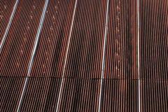 Σκουριασμένος καφετής φύλλων ψευδάργυρου, λεκέδες σκουριάς στα φύλλα ψευδάργυρου, σκουριά, ψευδάργυρος Στοκ Φωτογραφίες
