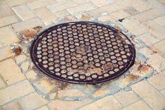 Σκουριασμένος κύκλος καταπακτών σιδήρου Στοκ Φωτογραφία