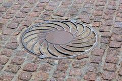 Σκουριασμένος κύκλος καταπακτών σιδήρου Στοκ εικόνα με δικαίωμα ελεύθερης χρήσης