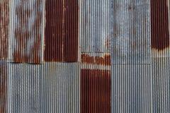 Σκουριασμένος που γαλβανίζεται παλαιός Στοκ φωτογραφίες με δικαίωμα ελεύθερης χρήσης
