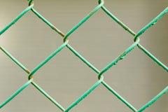 Σκουριασμένος πράσινος φράκτης καλωδίων Στοκ Εικόνα