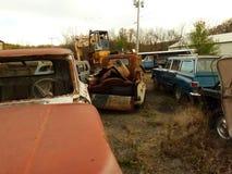 Σκουριασμένο αυτοκίνητο στο ναυπηγείο παλιοσίδερου Στοκ Εικόνες