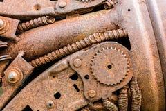 Σκουριασμένο βιομηχανικό cogwheel και άλλα γρατσουνισμένα μέρη του παλαιού machi Στοκ εικόνες με δικαίωμα ελεύθερης χρήσης