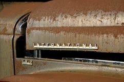 Σκουριασμένο διεθνές λογότυπο φορτηγών στοκ εικόνες
