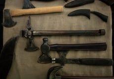 Σκουριασμένο παλαιό σχέδιο της Ευρώπης τσεκουριών Εκλεκτής ποιότητας εργαλεία στοκ φωτογραφία με δικαίωμα ελεύθερης χρήσης