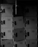 Σκουριασμένο παλαιό σπασμένο βρώμικο ντουλάπι grunge στο μονοχρωματικό ύφος Στοκ Φωτογραφίες
