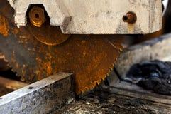 Σκουριασμένο πριόνι Στοκ εικόνα με δικαίωμα ελεύθερης χρήσης