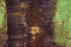 Σκουριασμένο υπόβαθρο μετάλλων με τα παλαιά στρώματα του πράσινου χρώματος Στοκ φωτογραφία με δικαίωμα ελεύθερης χρήσης